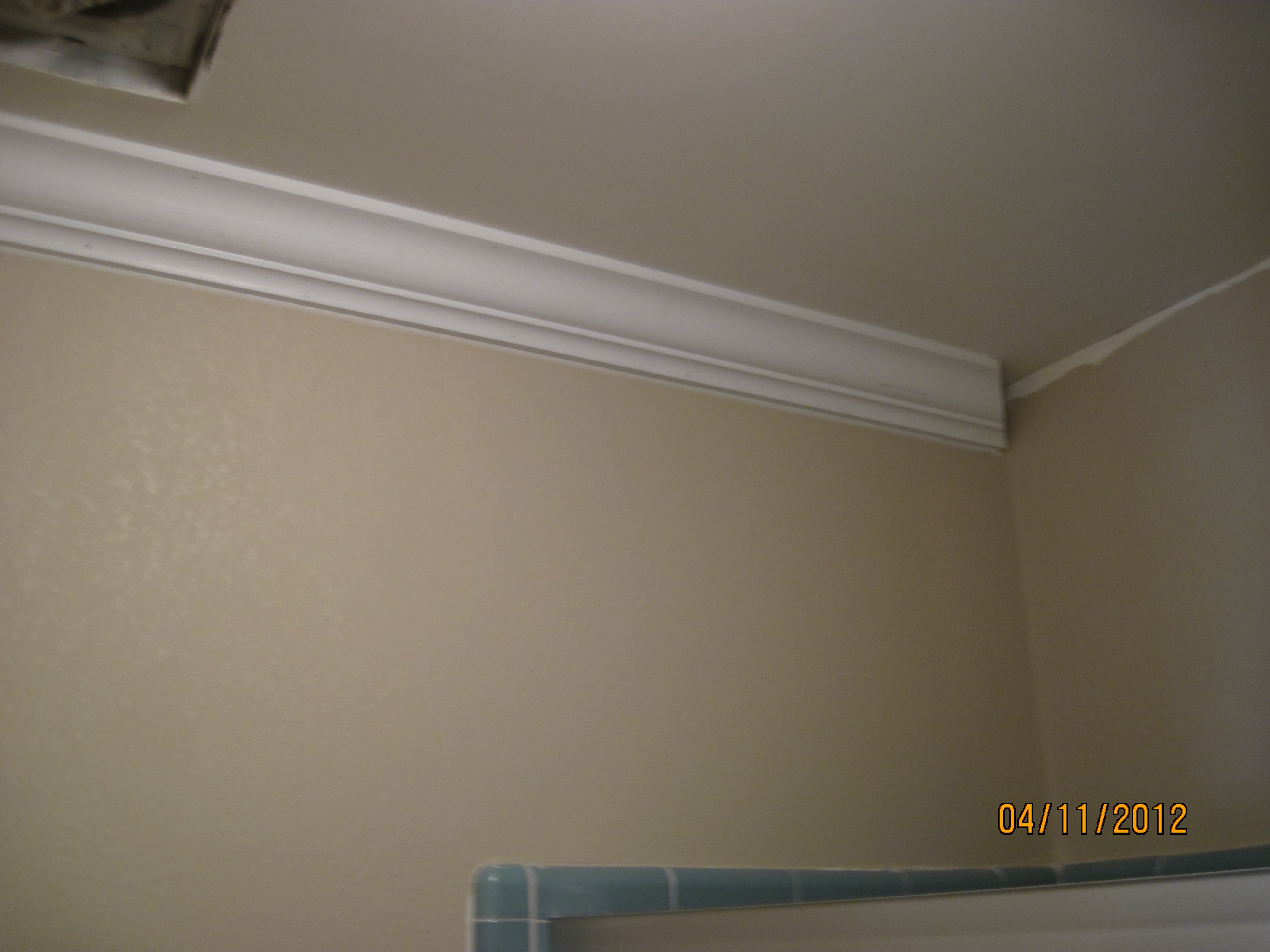 8Crown Molding